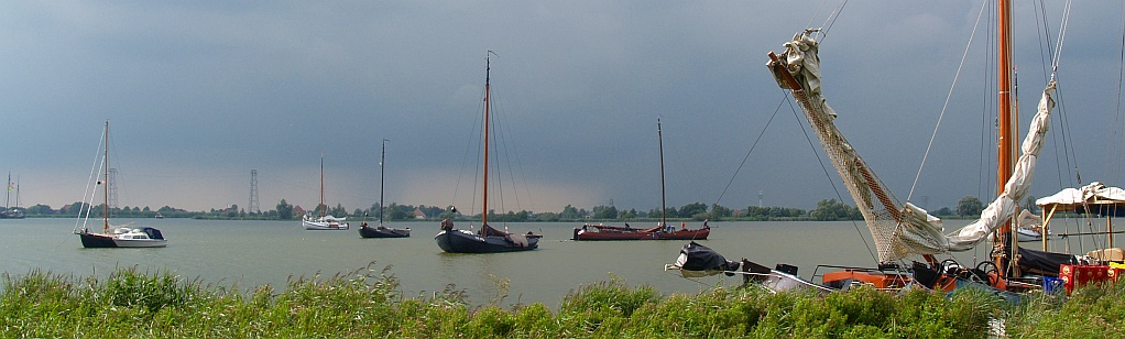 header dag 1 - het tjeukemeer in friesland © copyright dutchmarco