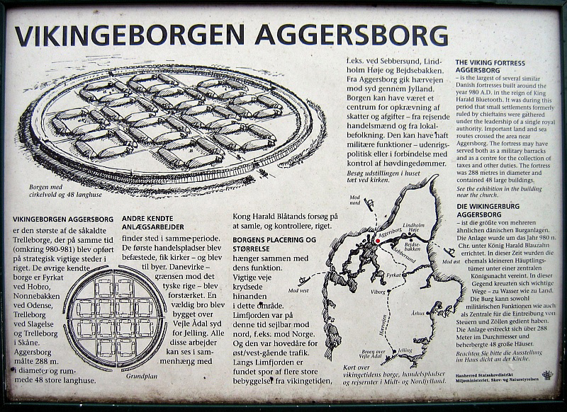 Over de Vikingburcht Aggersborg © copyright dutchmarco