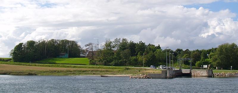 Tijdens overtocht over de Næs Sund © copyright dutchmarco