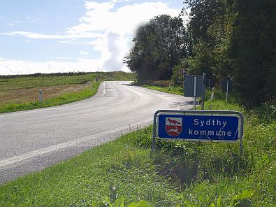 Weg door het Deense landschap © copyright dutchmarco
