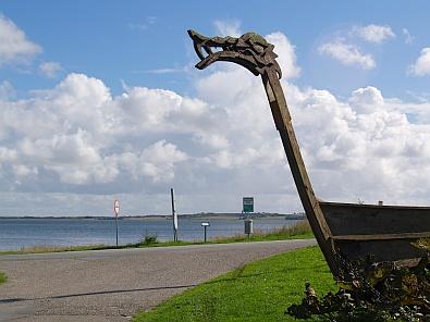 Namaak Vikingschip © copyright dutchmarco