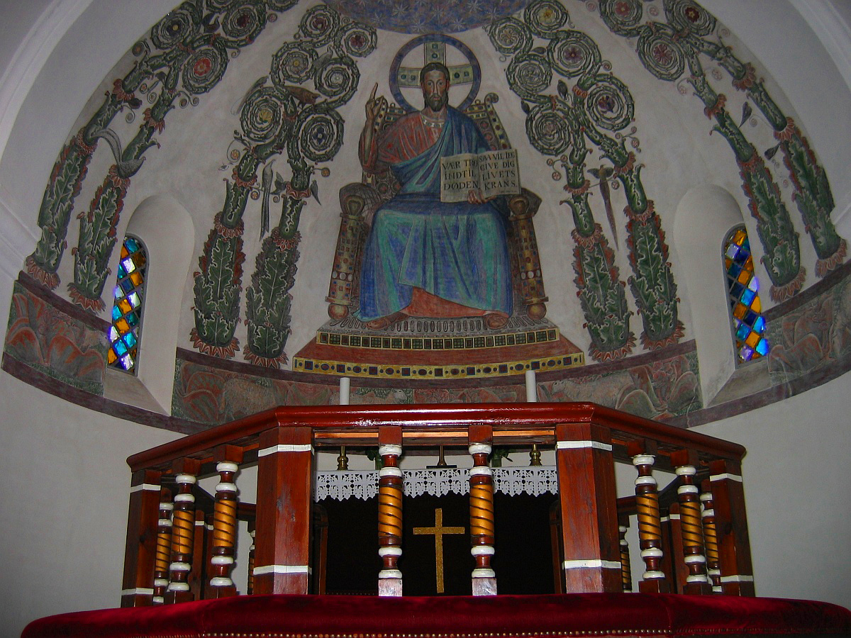 Muurschilderingen in de kerk © copyright dutchmarco