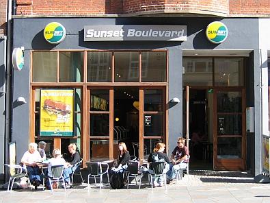 Sunset Boulevard © copyright dutchmarco