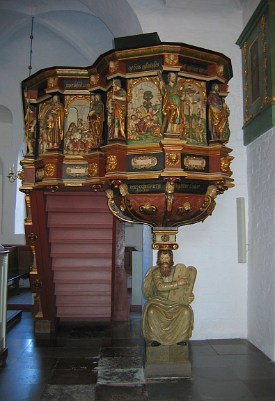 In de Budolfi kathedraal - preekstoel © copyright dutchmarco