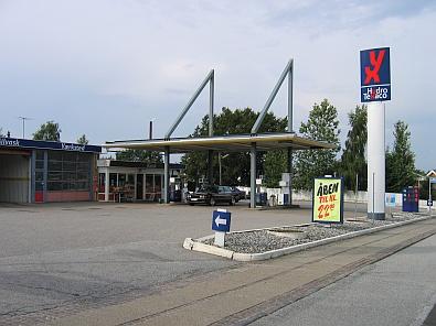 Benzinepomp in Farsø © copyright dutchmarco