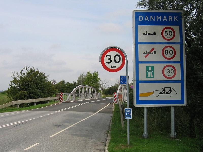 De grensovergang tussen Duitsland en Denemarken © copyright dutchmarco
