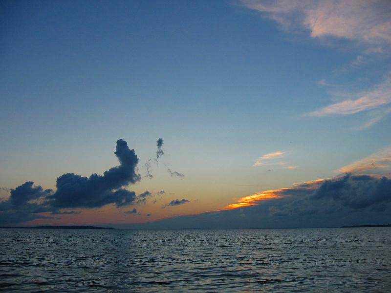 Ondergaande zon boven de Limfjord © copyright dutchmarco