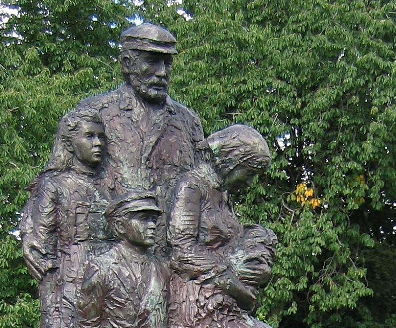 Uitleg over het standbeeld Familie © copyright dutchmarco