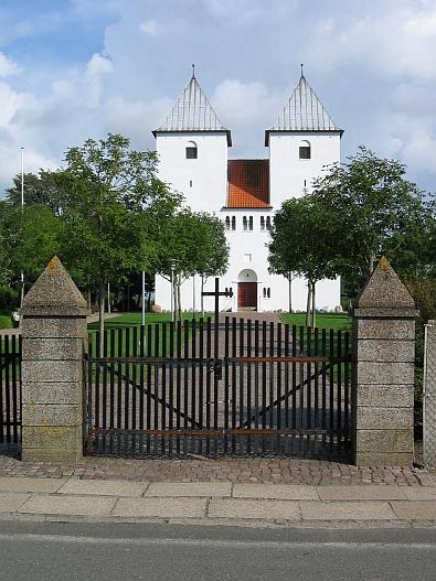 Kerk in Ranum © copyright dutchmarco