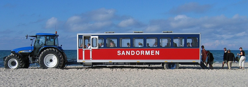 Tractorbus, genaamd Sandormen (De Zandworm) © copyright dutchmarco
