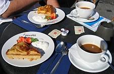 Koffie met appeltaart in Skagen © copyright dutchmarco