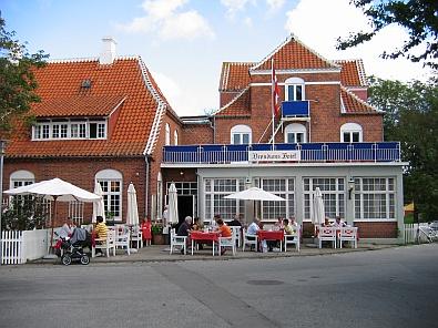 Het Brøndum's Hotel © copyright dutchmarco