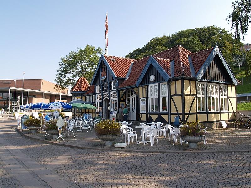 Havengebouw met restaurant en terras in Silkeborg © copyright dutchmarco