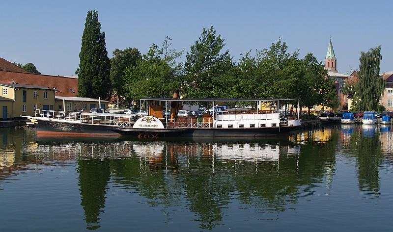 De oude rondvaartstoomboot Hjejlen © copyright dutchmarco