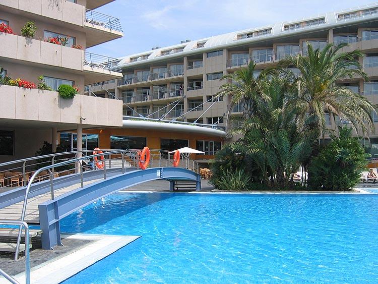 Aqua Hotel Onabrava: zwembad © copyright Dutchmarco