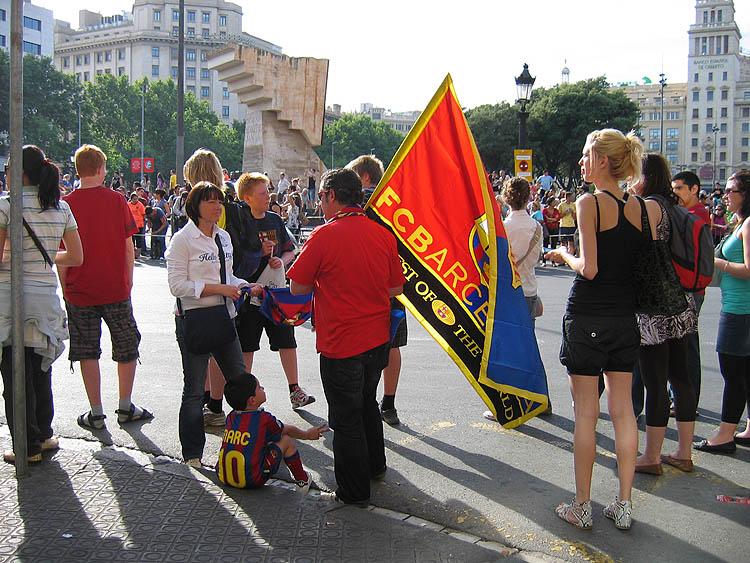 Het wordt alsmaar drukker op het Plaça de Catalunya © copyright Dutchmarco