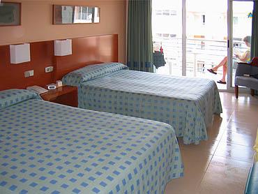 Aqua Hotel Onabrava © copyright Dutchmarco