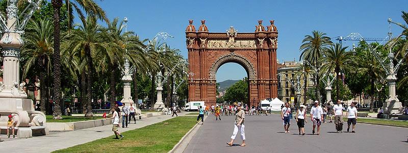 Barcelona: Arc de Triomf © copyright Dutchmarco
