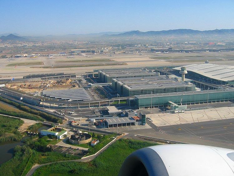 Opstijgen van vliegveld Barcelona © copyright Dutchmarco