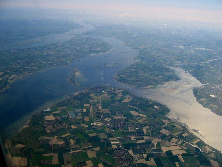 Van links naar rechts: Haringvliet, Goeree Overflakkee, Grevelingen, Schouwen Duiveland en Oosterschelde © copyright Dutchmarco
