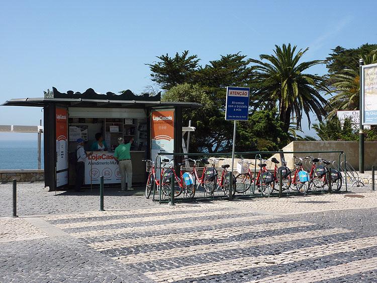 Hier kan men gratis een fiets lenen voor een dag © copyright Dutchmarco
