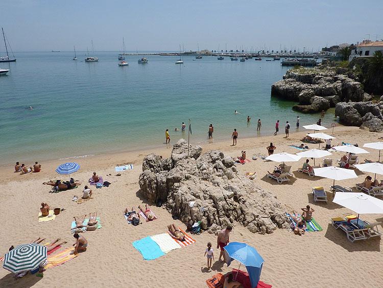 Met dit mooie weer geniet men van strand en zee © copyright Dutchmarco