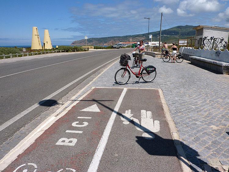 Hier houdt het fietspad op © copyright Dutchmarco