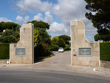 De toegangspoort tot ... © copyright Dutchmarco