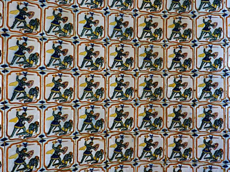 Een gedeelte van een tegelwand in het paleis © copyright Dutchmarco