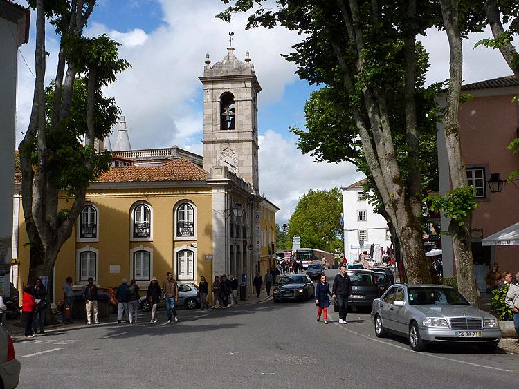 In het centrum van Sintra © copyright Dutchmarco