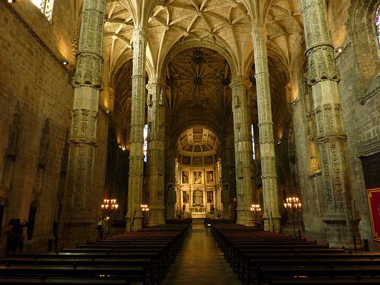 In de kerk Santa Maria van het Mosteiro dos Jerónimos © copyright Dutchmarco
