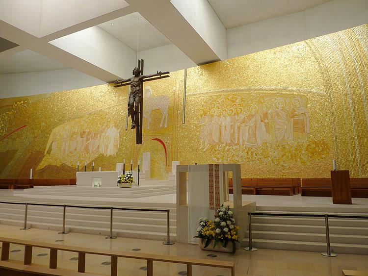 In de Kerk van de Heilige Drie-eenheid © copyright Dutchmarco