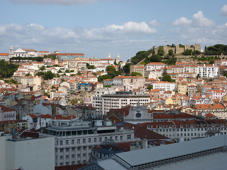 Ook hier een fraai uitzicht over Lissabon © copyright Dutchmarco