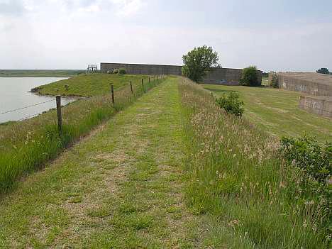 Caissons in het landschap bij Ouwerkerk © copyright dutchmarco